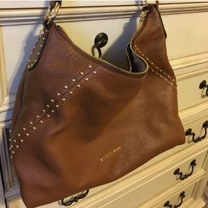 Brown Michael Kors shoulder bag w/ crossbody strap